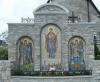 Мозаика перед Троицкой церковью