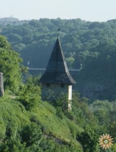 Кравецька башта (вигляд з півдня)