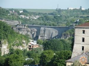 Замковий міст (вигляд з півдня)