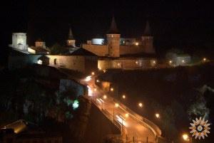 Стара Фортеця в ночі