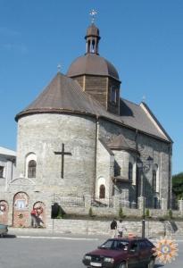 Відбудовується Троїцька  церква