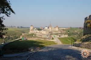 Класична фотографія Старої Фортеці з Замкової вулиці. Кам