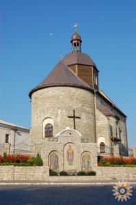 Троицкая церковь, мозаика и луна